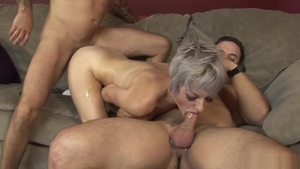 Short hair emo cumshot in HD