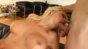 Huge boobs blonde babe cumshot blowjob in HD
