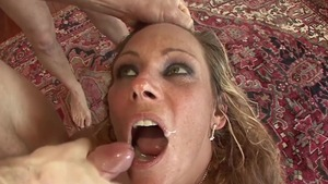 Threesome in company with hottest mature
