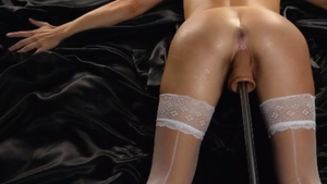 Amateur really likes squirting in tight stockings HD