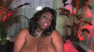 Simone Fox ebony very fat brunette fun with toys solo