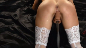 Squirting in company with amateur