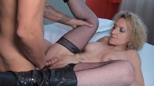 Mature feels in need of hard pounding