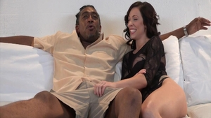 Sexy slut Harlow Harrison has a thing for nailing