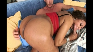 Hard slamming with super sexy Maya Gates bubble butt Isis Love