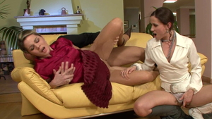 European Pepper Pew loves Brianna Brown pussy eating