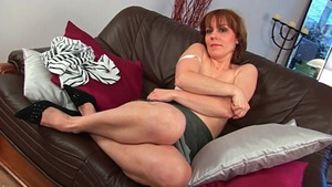 Hairy pussy MILF has a taste for nailed rough HD