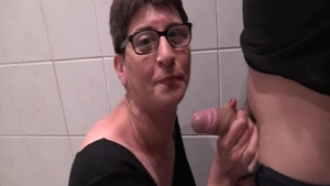 Sex accompanied by short haired french slut