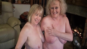 Squirting in company with MILF