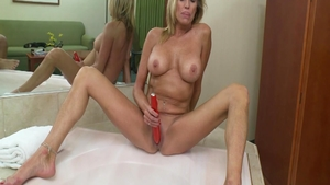 Big butt & hot GILF raw sucking dick