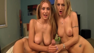 Teen chick Natalia Starr uncover natural tits