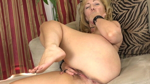 American Karen Summer nylon stripteasing in HD