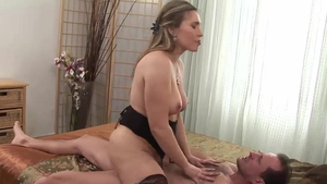 Big ass stepmom Evelina Marvellu goes for real sex HD