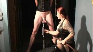 Big butt mistress agrees to spanking in HD