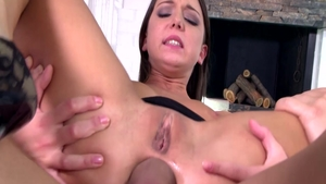 Foxy Di feels in need of cum on face