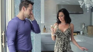 Nailing escorted by beautiful brunette Veronica Avluv