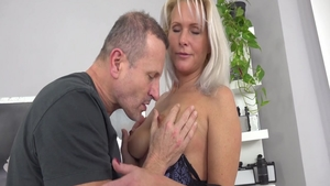 Busty Kathy Anderson rough pussy eating at the castings