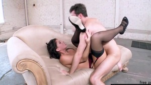 Brooklyn Lee agrees to deepthroat