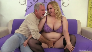 Large tits natural BBW HD