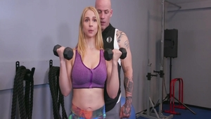 Big butt Sarah Vandella pussy eating in the gym