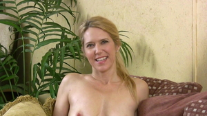Does what shes told at casting escorted by horny MILF