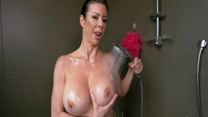 Babe Alexis Fawx pussy eating