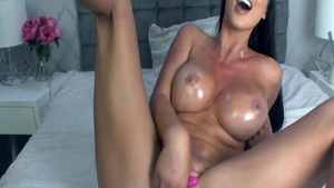 Busty mature british Alice Goodwin pussy fucking live on cam