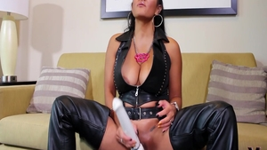 Squirting alongside charming supermodel wearing latex