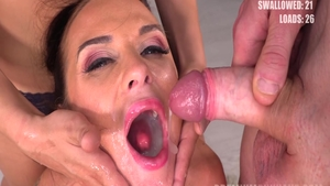 Vinna Reed and Cristal Caitlin pussy fuck