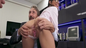 Passionate chick Emily Willis having fun with Steve Holmes
