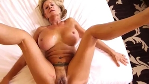 Huge tits MILF wishes for swallow in HD