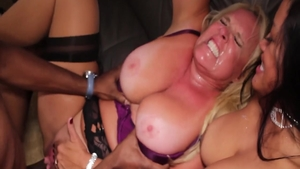 MILF Alexis Golden together with Maxine X interracial bang