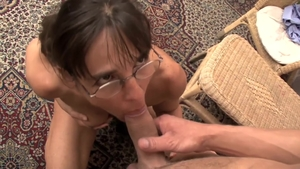 Young stepmom fisting