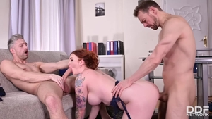 Rough nailing in the company of inked MILF Zara DuRose