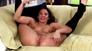 Hairy Sheena Ryder toys action