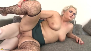 Big boobs mature likes hard slamming HD