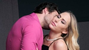 Blowjobs next to piercing mature Carter Cruise in the bed