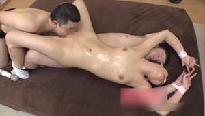 Pussy fucking young asian in HD
