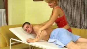 Young cougar wearing latex raw pussy eating massage HD