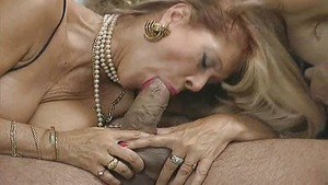 Mature double penetration vintage