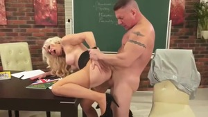 Hard sex along with very hawt blonde babe